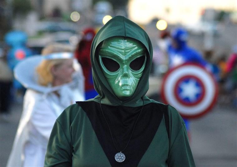 alien green costume